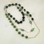 Collana lunga verde e perle