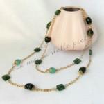 Collana lunga verde e catena color oro