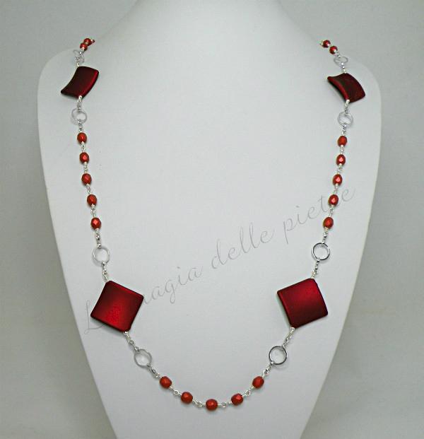 collana con perle rosse