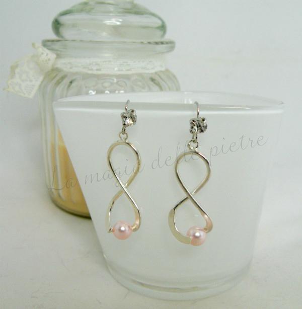 orecchini con perla rosa